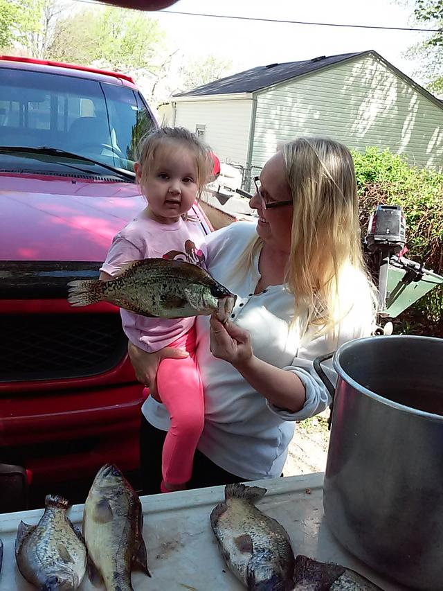 Farm pond crappie for Indiana fish farms