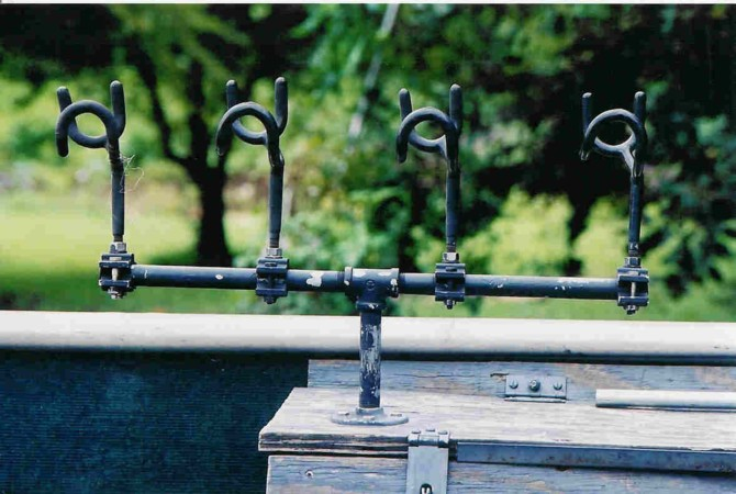Homemade rod holder stand page 5 for Diy fishing rod holder for boat