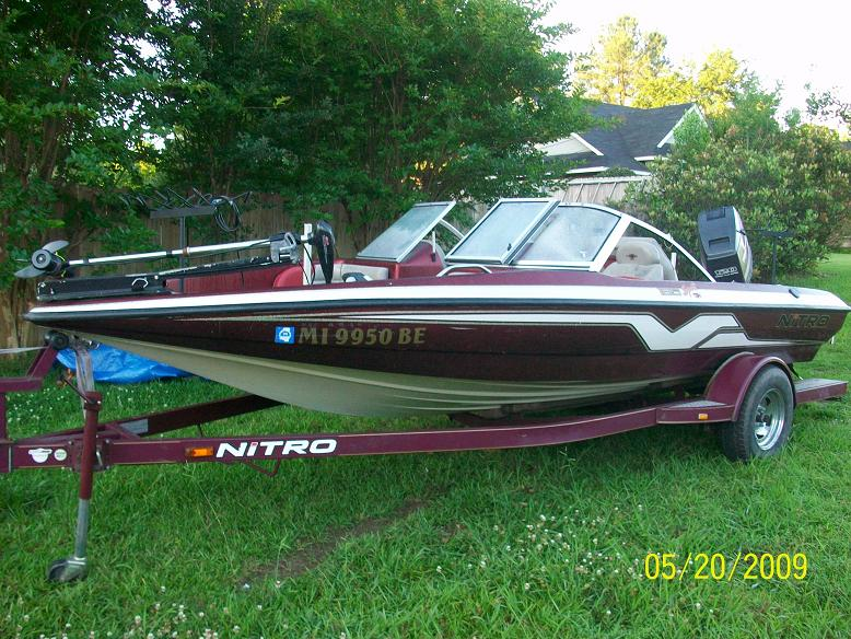 selling my 1999 nitro fish and ski