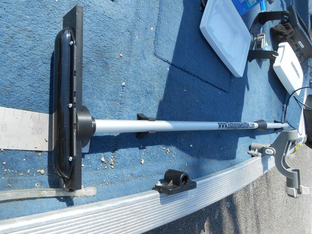 Pictures of my lss 2 bow mount pole form fishing specialties for Bow fishing rod